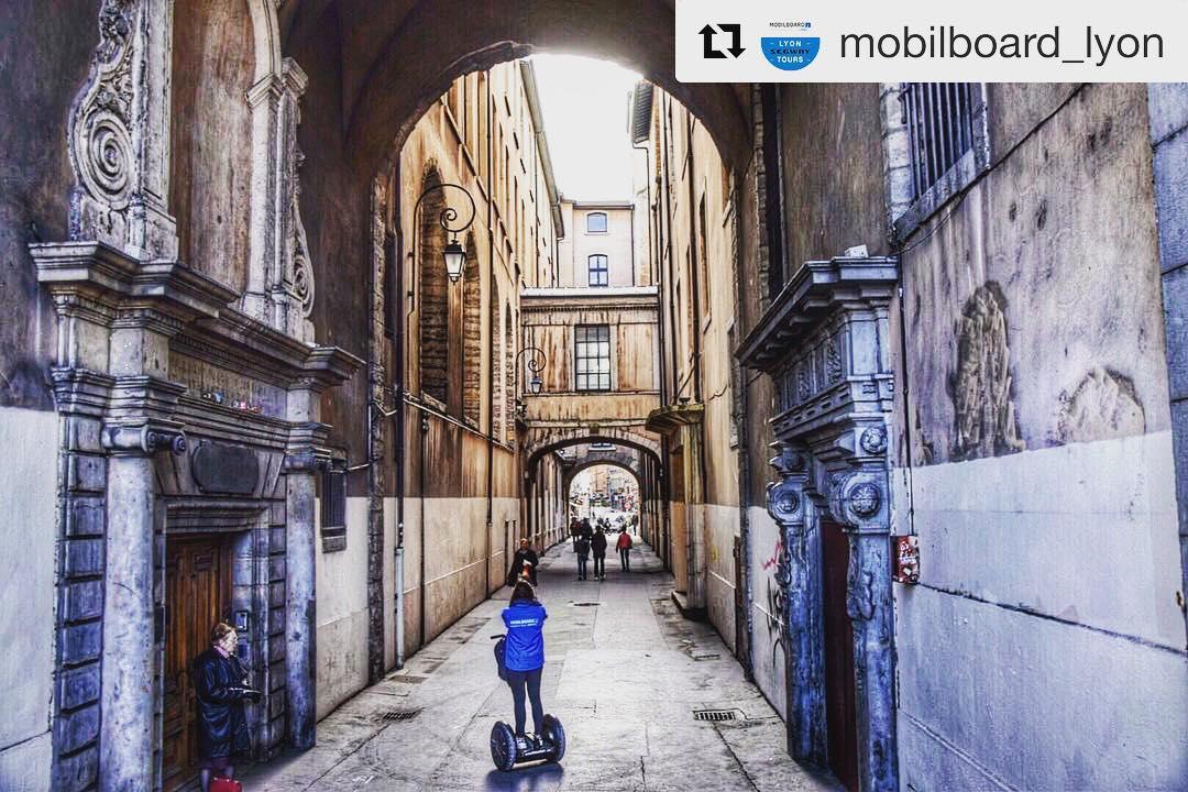 Lyon France segway tour destination of the day  @mobilboard_lyon ・・・  Explorez Lyon dans ses moindres recoins avec @juuuujuu !  . . . . #️⃣ Vous aussi, partagez vos plus belles expériences avec . . . .
