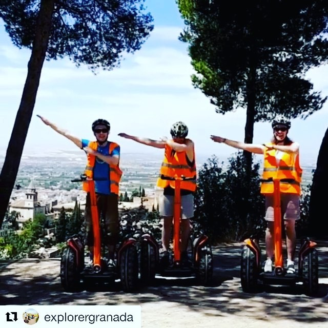 Segway boomerang of the day from Granda Spain  lots of orange  in this tour pic. . . @explorergranada ・・・ Silla del moro granada, road Tour, Tour, Andalucía, #albaycin, #sacromonte,