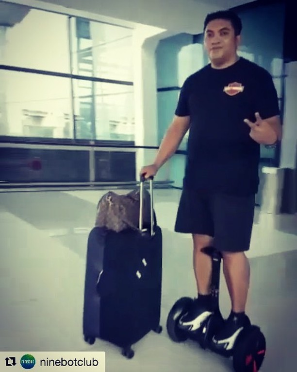 Silly segway video of the day from somewhere on planet earth  . . @ninebotclub ・・・ Bos besar jemput istri di bandara Soekarno Hatta 😎 @bobbyspyzer @averyzie