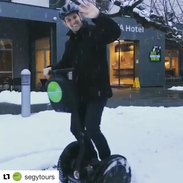 Get out in the snow and play on a Segway. Lots of segway tours are open year round @segytours ・・・ Zwei Brett'ln, a g'führiger Schnee, juchee!! ️☃️